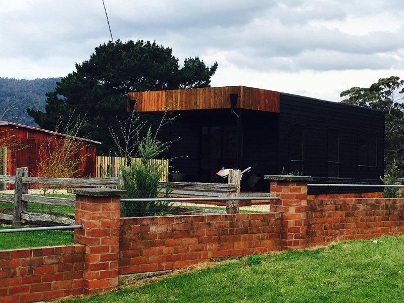 Farm Pod at Twamley Farm, holiday rental in Buckland