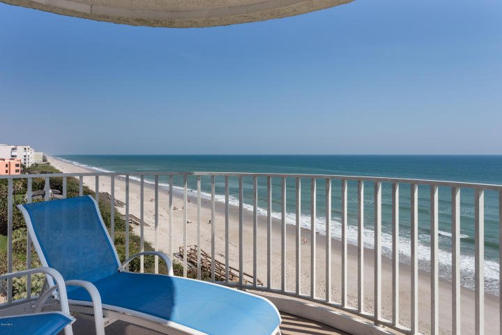 Best Views from our end-unit.  Convenient location., vacation rental in Satellite Beach