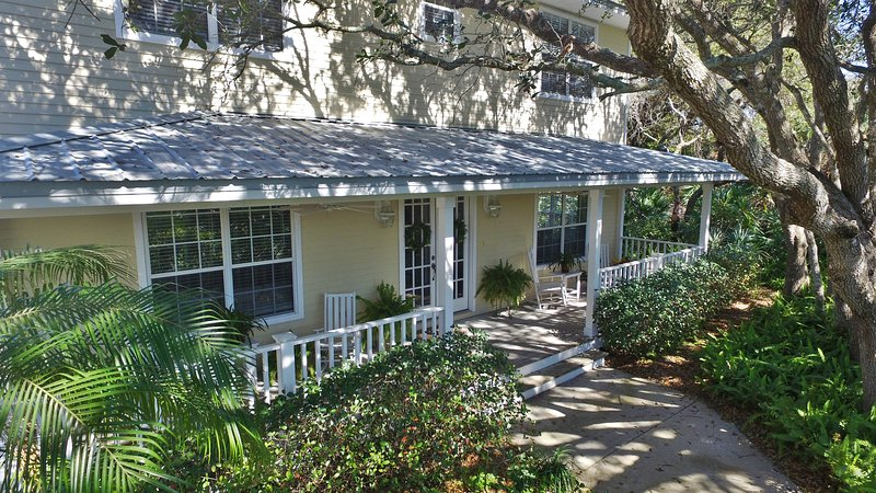 Ponce Inlet Beachside Escape - Just steps from the beach, vacation rental in Ponce Inlet