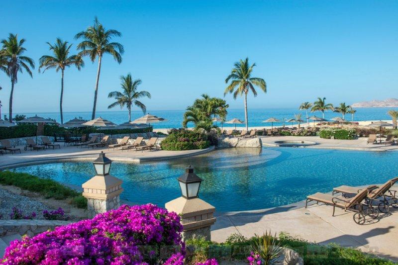 Casa Del Mar, boutique venue with elegant suites, overlooking the Sea of Cortez, holiday rental in El Zacatal