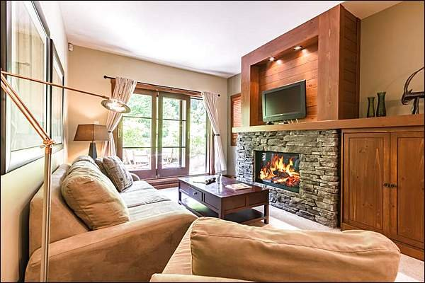 Lovely Living Room with Fireplace