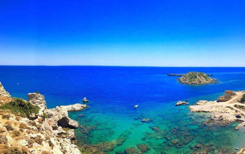 Grande Blue, location de vacances à Stegna