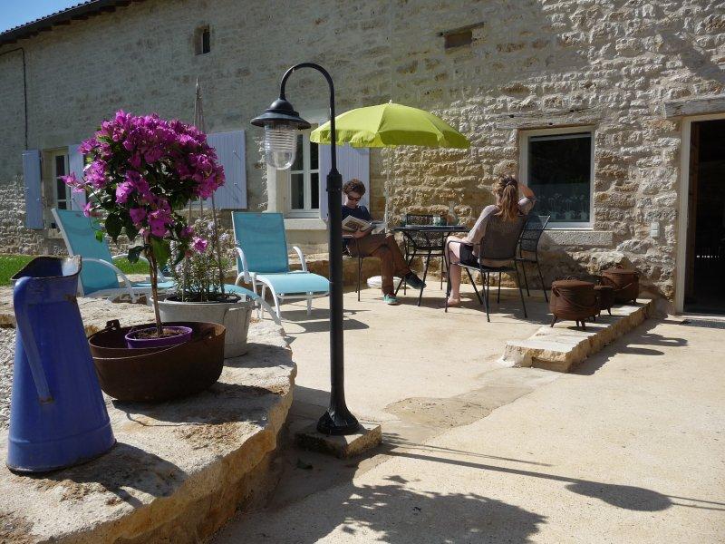 La Ponne, joli gîte en Deux-Sevres!, location de vacances à Prailles