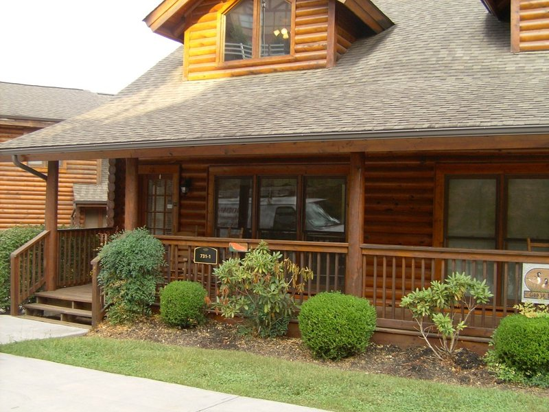 130nt.Pool&pool table/wifi/gas grill/ perfect location on Dollywood lane