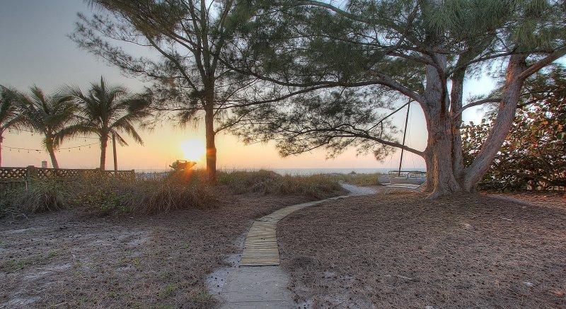 Lugn och avkoppling väntar på dig på BeachBum i Indian Shores, Florida