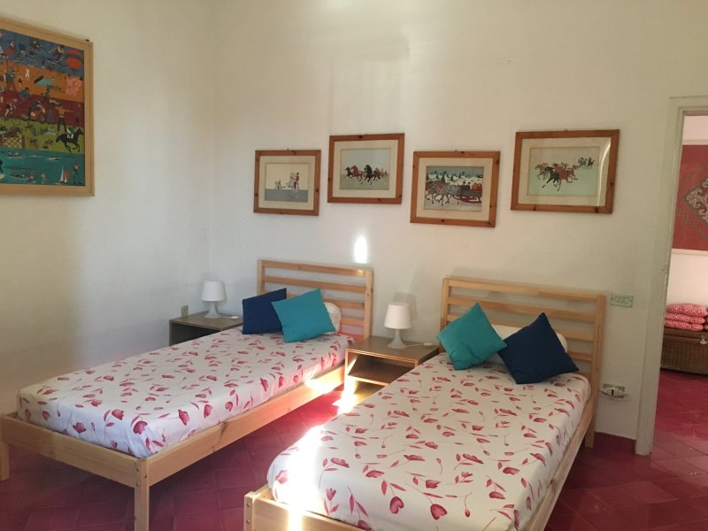 andra sovrum med två enkelsängar som på begäran kan bli en dubbelsäng