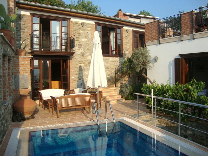 Stone House Oustanding property with private pool and sauna, sleeps 7, location de vacances à Izmir Province
