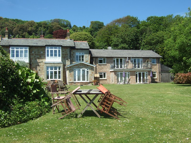 Seaview Holiday Apartment, holiday rental in Ventnor