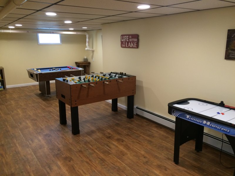 Lower game room