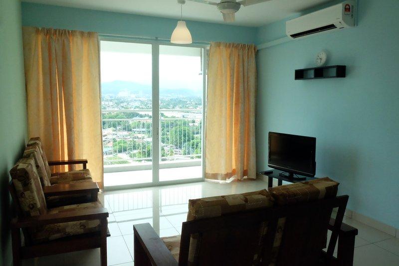 COMFY and SPACIOUS 3-Room Condominium for 6pax, vacation rental in Batu Caves