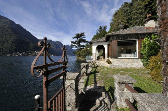 Jardín con vista al lago