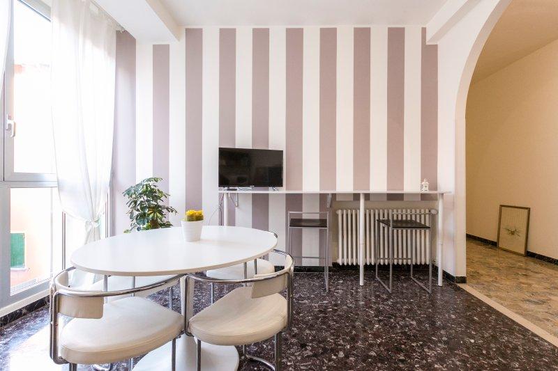 Family.3 Apartment 113 - 3 King Bedroom + 2 Bathroom, holiday rental in Longara