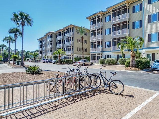 SkyRun Property - 'Peridot Bay' - Seagrove Highlands - 6-8 Min walk or 2-3 min bike ride up a quiet side street straight across 30A to the beach.