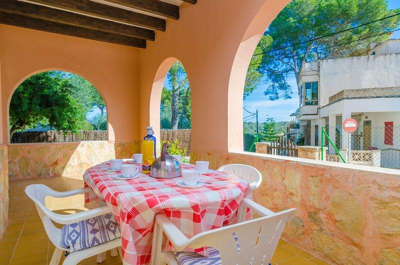 DANUS BURGUERA PB - Apartment for 7 people in CALA FIGUERA, holiday rental in Cala Figuera