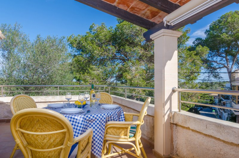 DANUS BURGUERA P1 - Apartment for 4 people in CALA FIGUERA, holiday rental in Cala Figuera