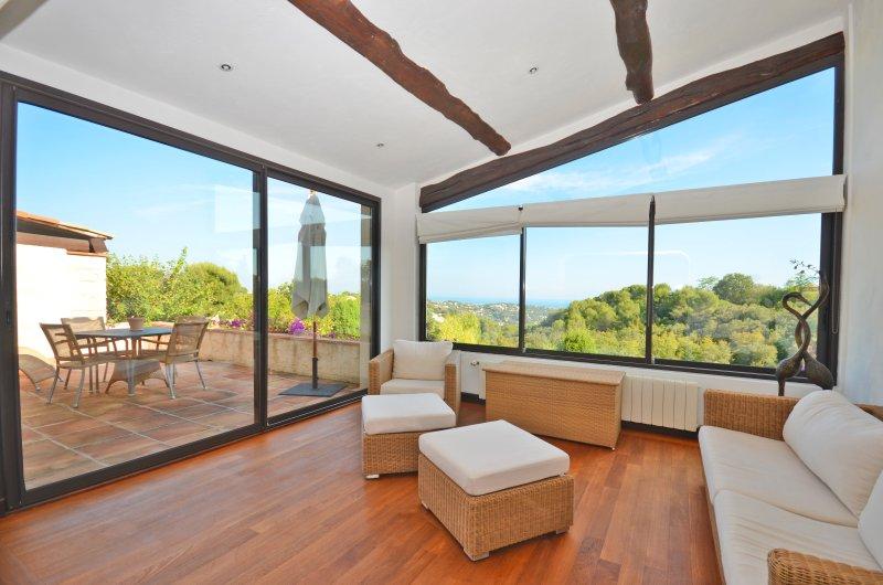 Soggiorno e terrazza con vista sul mare nel vostro appartamento