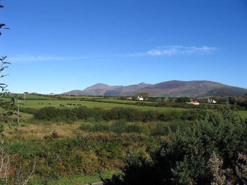 Uitzicht op Mount Brandon uit de voortuin.