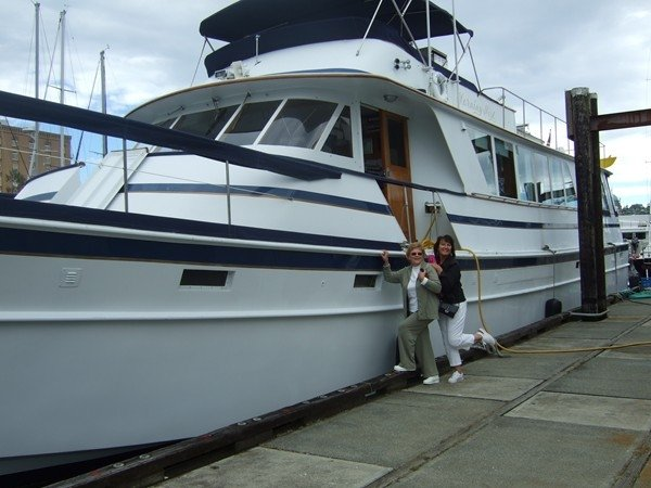 85' Yacht, 'Morning Mist' Also Docked at Pier 40 San Francisco Sleeps 8, aluguéis de temporada em South San Francisco
