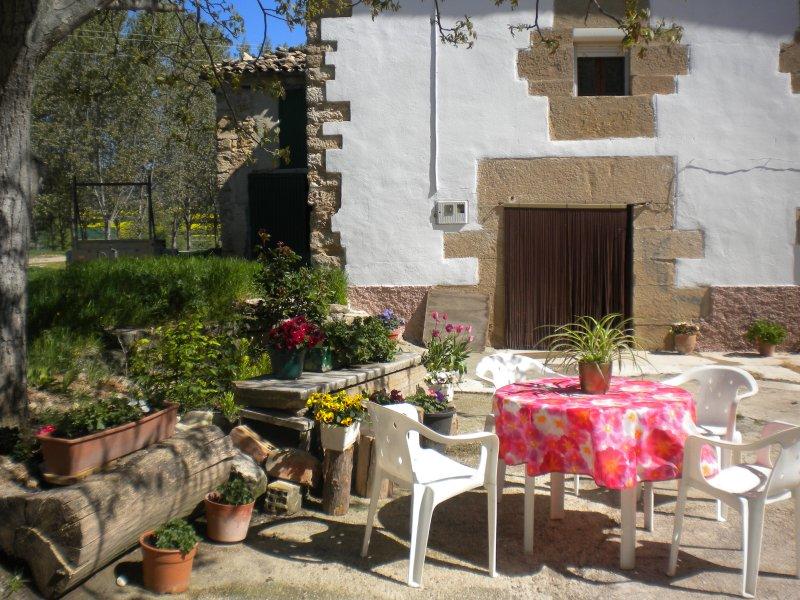 CASA LEGARIA, holiday rental in Ollogoyen