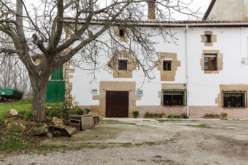 Casa legaria legaria espa a actualizado 2019 alquileres vacacionales en legaria tripadvisor - Casas vacacionales madrid ...