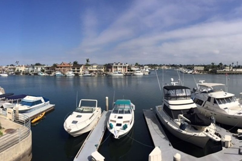Water Front Condo with Amazing View!, vacation rental in Seal Beach