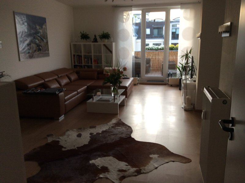 Beautiful 2 bedroom apartment in city near Cologne