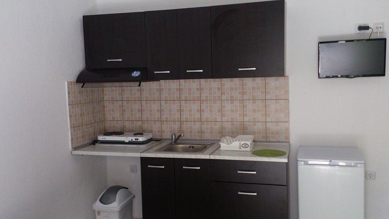 Gatos studios & apartments, holiday rental in Paralia Ofriniou