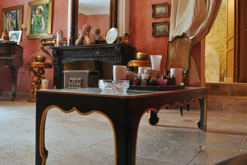 B&B at stylish private villa, vacation rental in Thezan-des-Corbieres