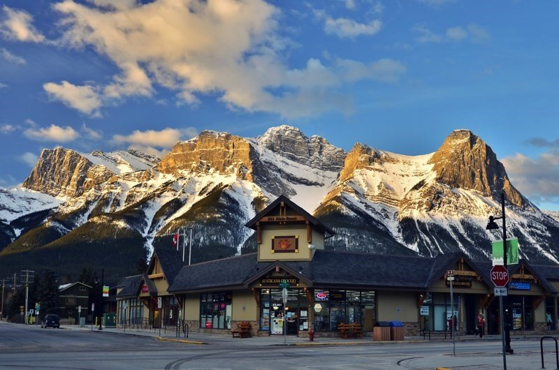 Canmore offers everything from Highland Games to the world-class Canmore Nordic Centre!