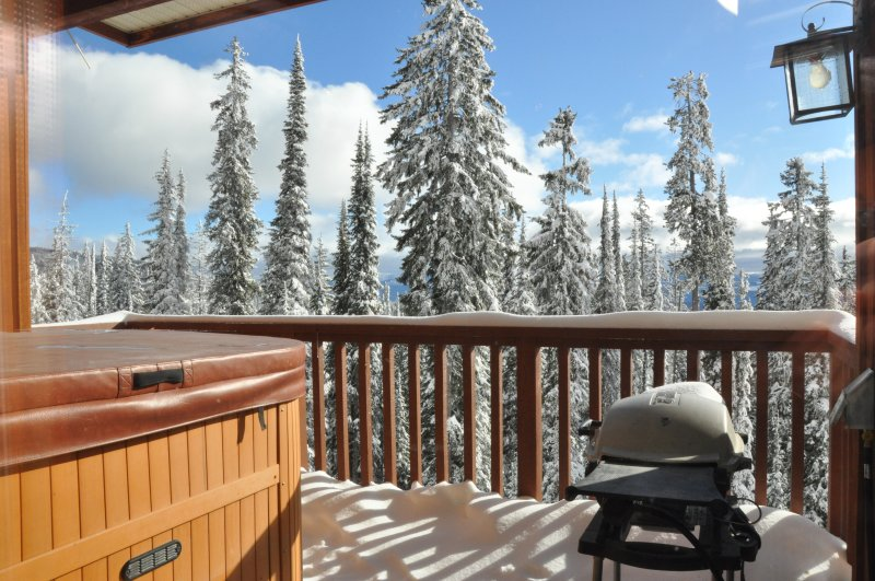 Enjoy an Apres Ski soak in the private hot tub.