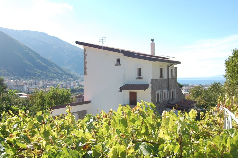 Sea view Monticelli-Mansion, vacation rental in Lettere