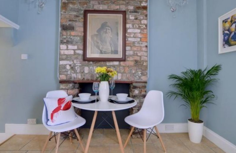 Ship Ahoy! - a stylish contemporary one bedroom apartment, holiday rental in Saunton