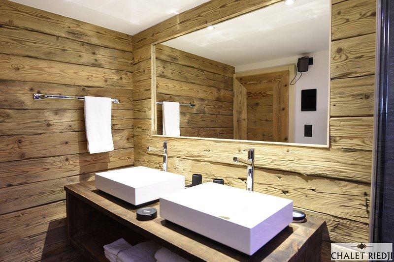 Chalet Riedji, holiday rental in Gruesch