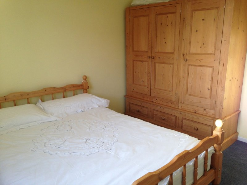 Comfy Cotswolds - spacious DBL bedroom (listing 1), vacation rental in Birdlip