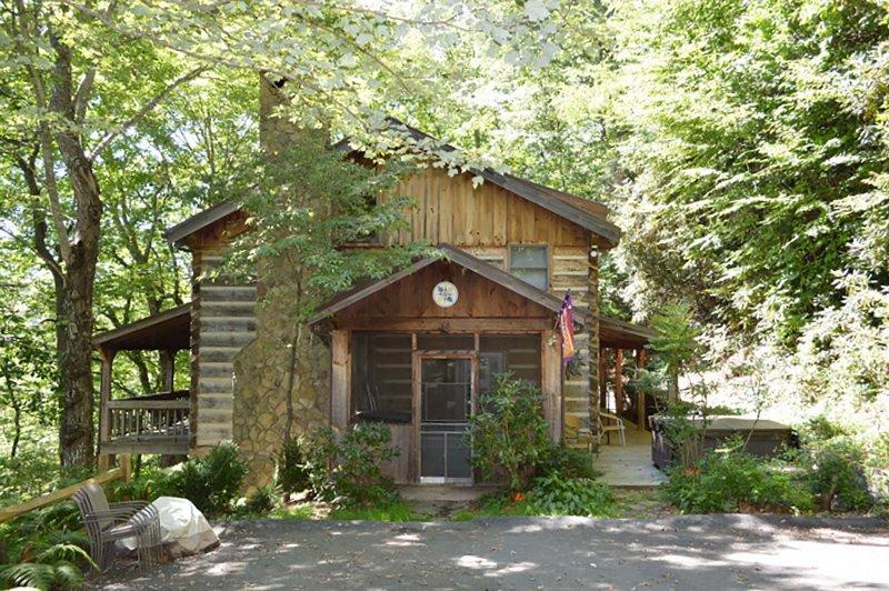 Driveway to Daniel Boone Lodge