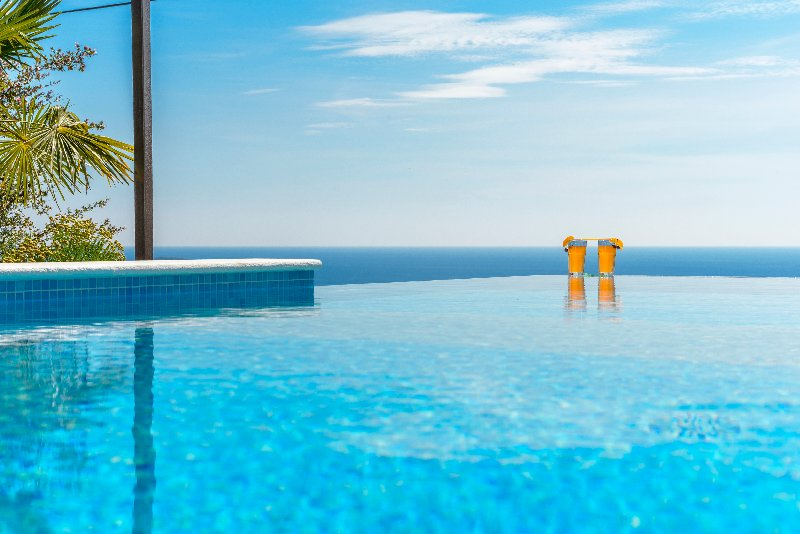 Infinity pool villa with sea view in Mlini, for 6-8 persons, holiday rental in Mlini