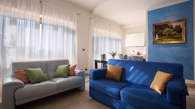 Has Internet Access And Terrace Rental In Florence Italy