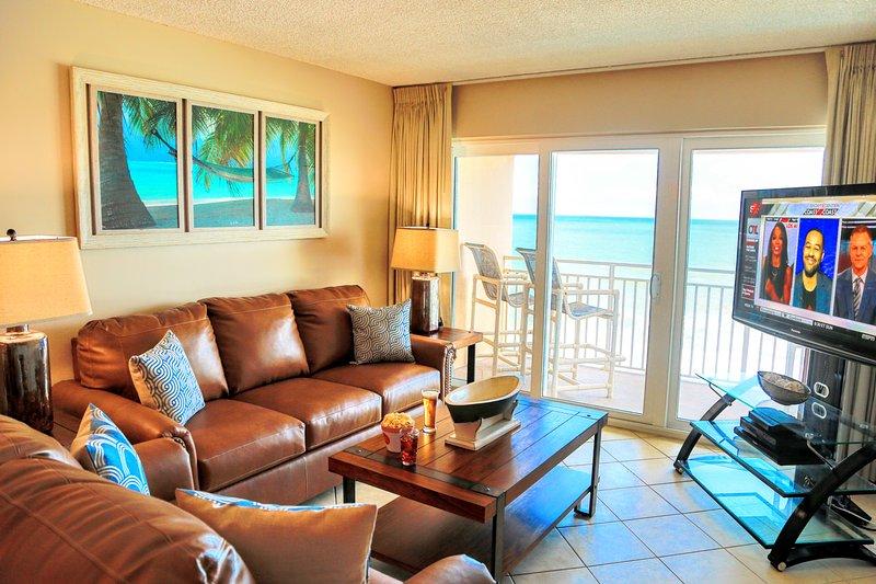 """Habitación familiar con impresionantes vistas frente al mar, 55 """"TV y una cama queen"""