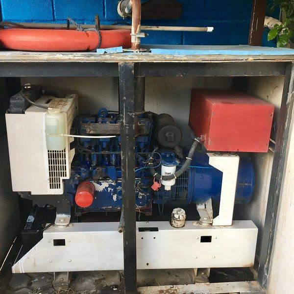 Impianto elettrico di emergenza per tutti i condizionatori d'aria. Opera fino a 10 pm