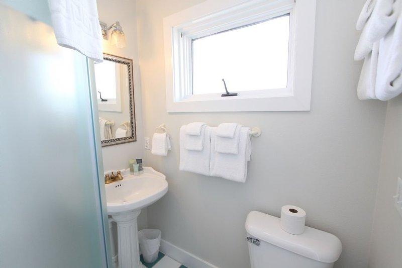 Gamboa Queen Bunk Bedroom Private Bath