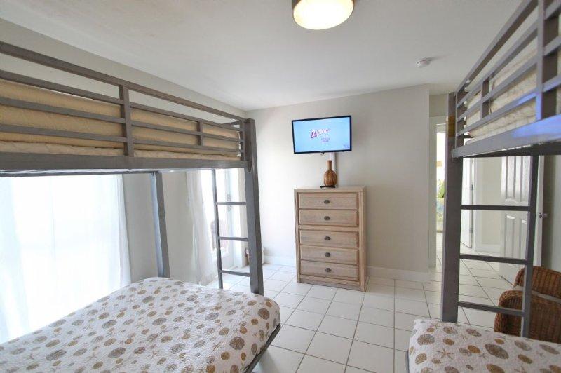 Coco Solo Bedroom to TV