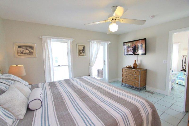 San Blas Bedroom to TV