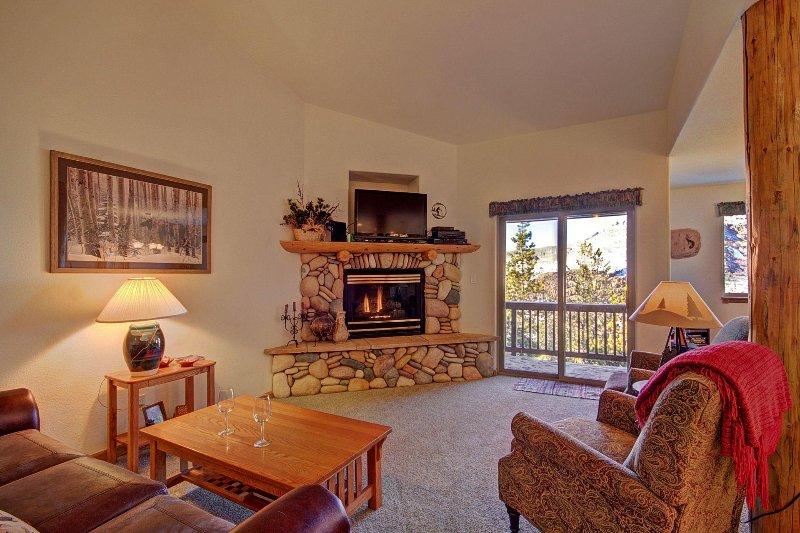SkyRun Property - '127 Lookout Ridge' - Spacious Living Area with Views