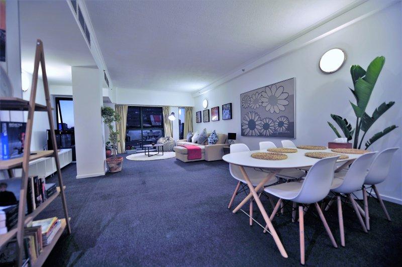 salón muy confortable y espacioso, con una impresionante vista sobre el río Yarra y el casino Crown.