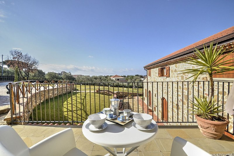 Villa delle Pigne C, holiday rental in Santa Maria di Castellabate