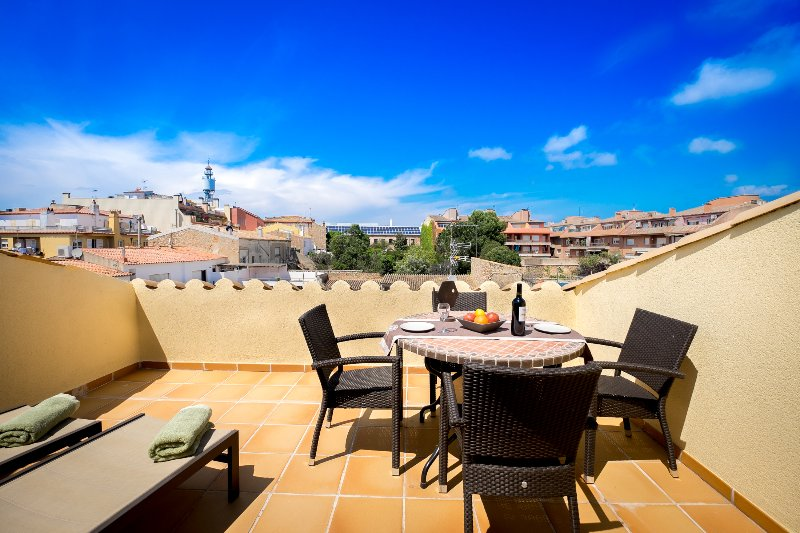 CAN TARONGETA - Sunny Penthouse 2-2, vacation rental in Palafrugell
