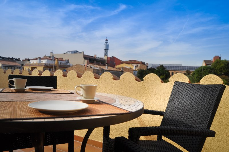 CAN TARONGETA - Sunny Penthouse 2-3, holiday rental in Mont-ras