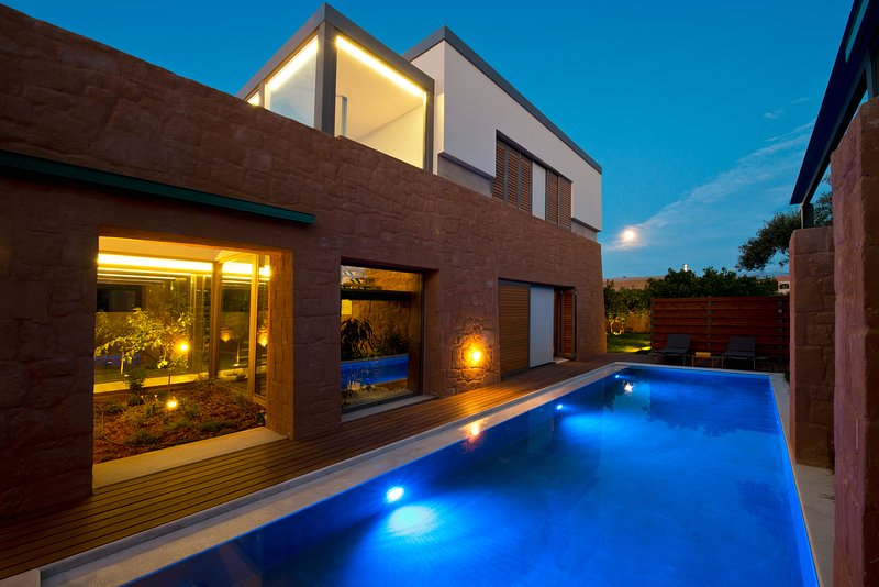 Award-winning 6 bedroom detached villas with heated pools, ideal for 2 families, holiday rental in Platanias