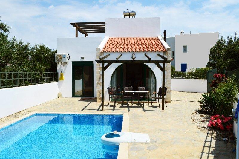 Villa Afou con piscina privata, holiday rental in Afrata