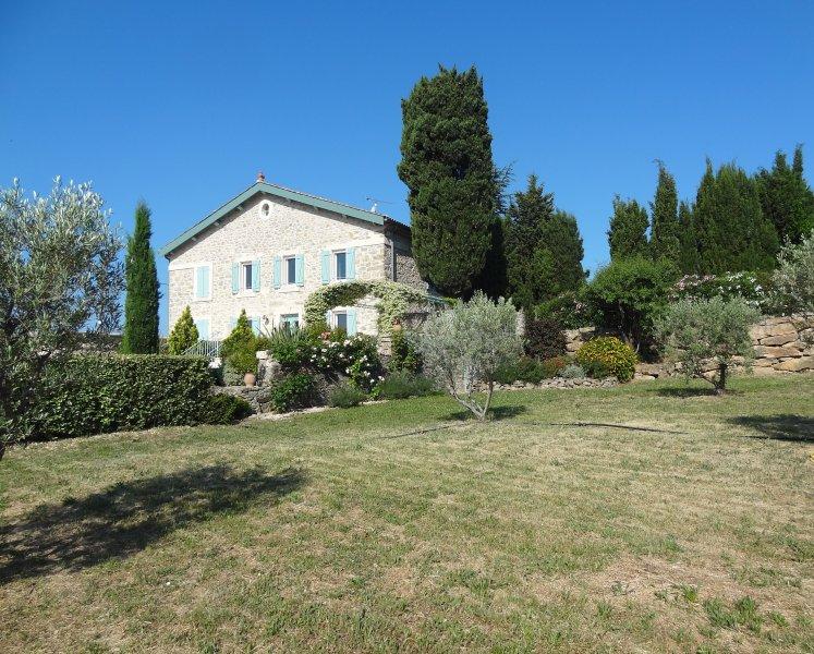LES ROMARINS, holiday rental in La Caunette